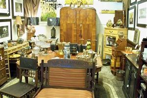antique booth 1