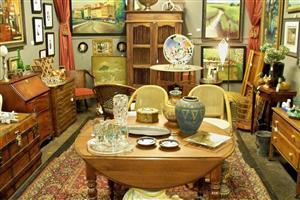 antique booth 2