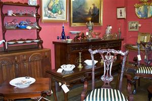 antique booth 3