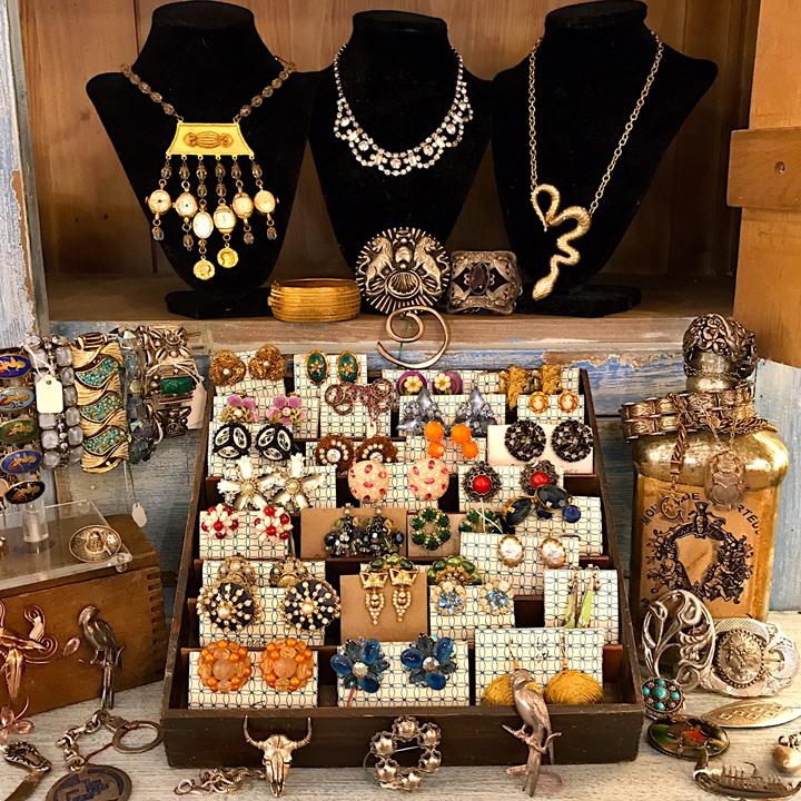 Vintage Clothing And Vintage Jewelry In Atlanta Kudzu
